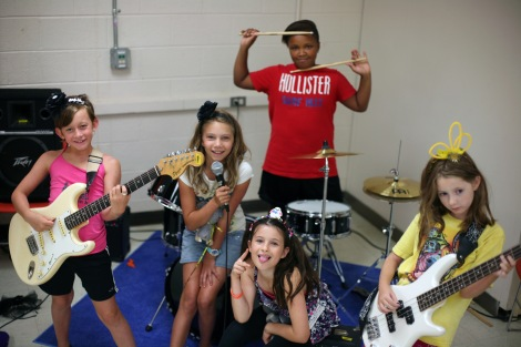 girls rock group 01